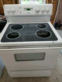 Electric stove 100.00 Delivery available  London