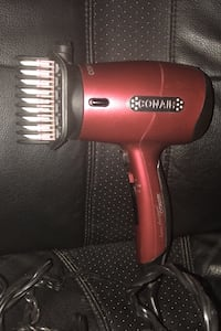 Conair blow dry with brush attachment Toronto, M1T 3N8