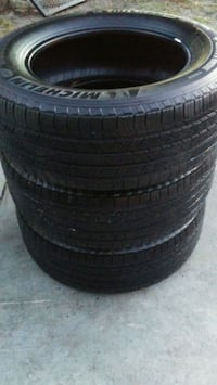 3 matching Michelin tires 265/60/R18