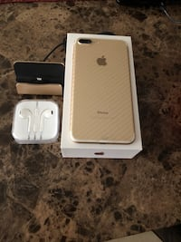 AT&T Gold iphone 7 plus with box Hialeah, 33012