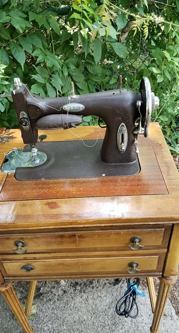 Fine Antique Sewing Machine Its A Brand Name White Home Interior And Landscaping Spoatsignezvosmurscom