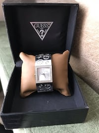 Guess women's Stainless Stell Saat