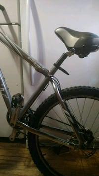 ,24 speed giant mountain bike Mississauga, L5E 1A8