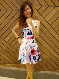 women's white and blue floral sleeveless dress Singapore, 18
