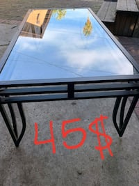 Glass coffee table  Fresno, 93728