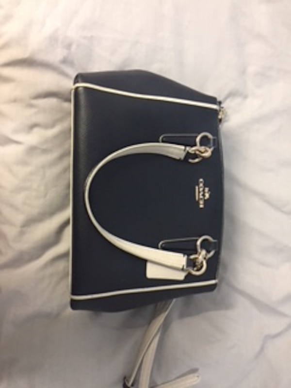 Used black and white leather crossbody bag for sale in BIRMINGHAM - letgo baa9ee325f39b