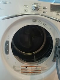 white front-load clothes washer Gulf Breeze, 32563