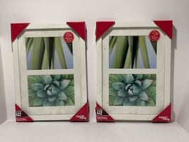 Picture Frame Set (UNOPENED white)