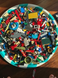 4 lbs of clean assorted Lego Bricks