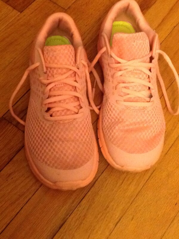 20efafee662e Used Champion sneaker size 8 for sale in Maywood - letgo