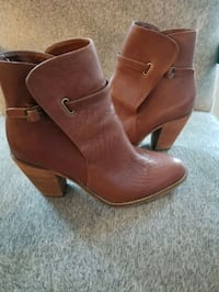 Farylrobin Leather Ankle Boot Toronto, M4V 2T3