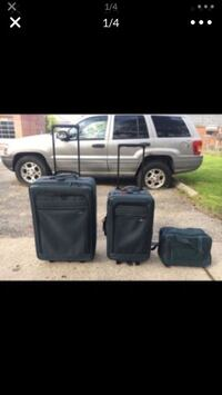 Luggage set Dearborn, 48126