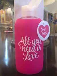 Adorable Water Bottle ~ NEW In Box Gainesville, 20155
