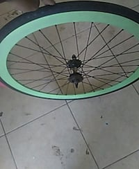 green and black bicycle wheel Bakersfield, 93308