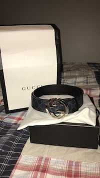 Black gucci leather belt with box 571 km