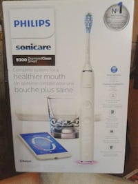 white and blue Shark upright vacuum cleaner box Vancouver, V6A 4G8