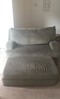 Comfy sofa and ottoman  null