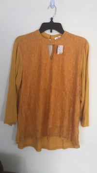 brown scoop neck long sleeve shirt Dumfries, 22026