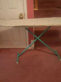 Ironing board w/ padded cover Mitchellville