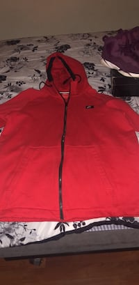 Red Nike zip up Saint Paul, 55104