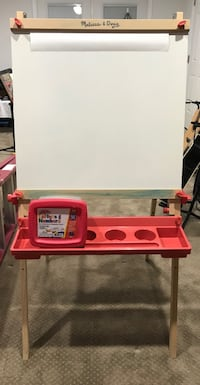 Melissa & Doug chalkboard/whiteboard and paper easel. Paper roll inc. Fishersville, 22939