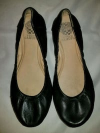 pair of black leather flats 59 km