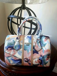 BNWT Authentic GUESS Serebra Floral Box Satchel  Winnipeg, R3T 2R3