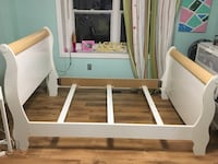 Double bed frame 549 km