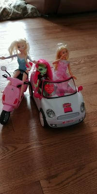 Elsa and friends with barbies car Markham, L3P 2W4