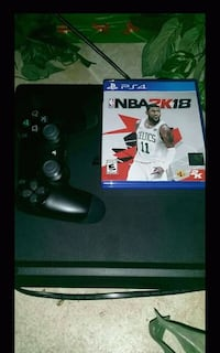Sony PS4 console with controller and game case Tampa, 33613