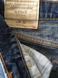 Abercrombie and Fitch jeans homme  Paris, 75019
