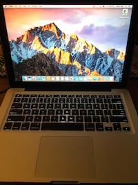 """Apple MacBook Pro 13"""" - fast! Upgraded 250GB SSD -Early 2011 amazing low battery cycle 526 km"""