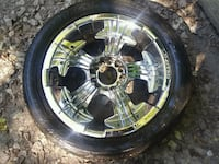 chrome 5-spoke car wheel with tire Manchester, 37355