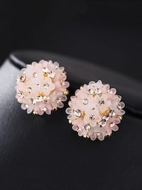 Detail Flower Stud Earrings Please check my other post