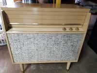 Vintage Silvertone Sterophonic Record Player Console Model 9391