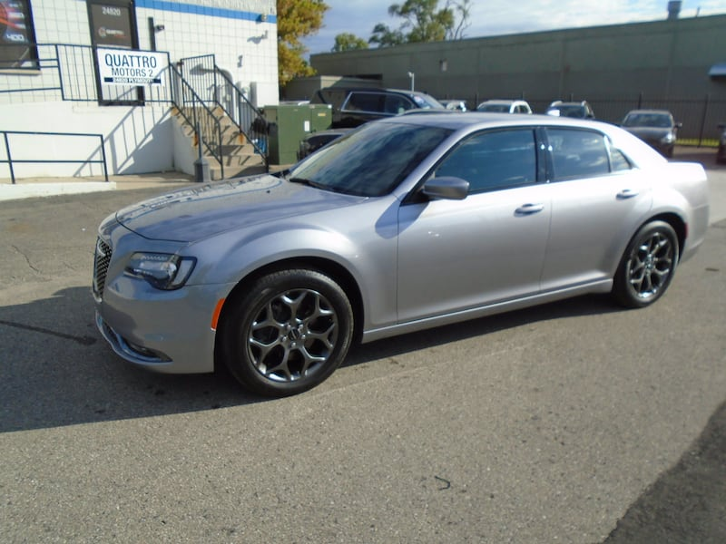 Chrysler 300 2016 41dfe573-8bfc-46d4-949f-504c2925be35