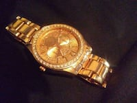 Womens rose gold icing watch  Windsor, N8Y 2S5