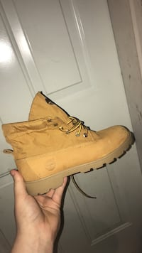 Women's Brown Leather Timberlands  St Catharines, L2S 3Z3