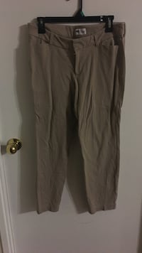 Beige dress pants  Toronto, M2R 3N7