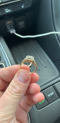 10K Gold Diamond Ring Virginia Beach, 23451