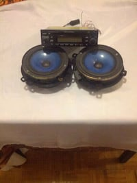 Radio pour voiture + speakers Montreal, H4N 1L1