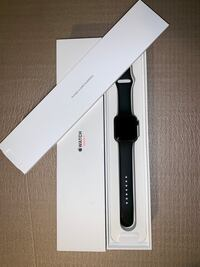 Space gray aluminum case apple watch with black sports band Arlington, 22202