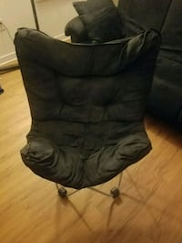 Black butterfly chair