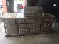 Gas grill with infrared and rotisserie  New Iberia, 70560