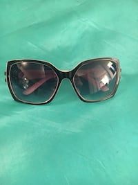 Chanel white and black sunglasses Vaughan, L4J 0G8