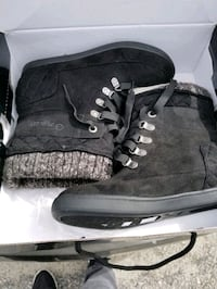 NEW PAIR OF GUESS BOOTS Norfolk, 23505