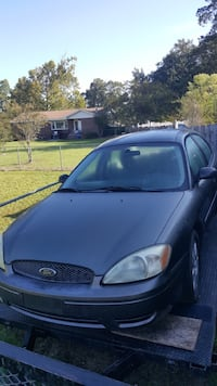 Black ford focus 5-door hatchback Washington, 20024