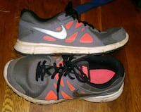 Nike boys sz 5.5 Roanoke, 24012