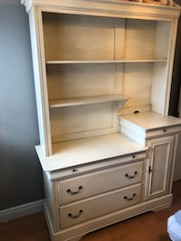 MOVING SALE - Antique White Hutch with Drawers - MUST GO THIS WEEK  Mississauga, L5N 7Z9