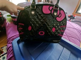 """Brand New """"Lounge Fly"""" Hello.Kitty purse"""